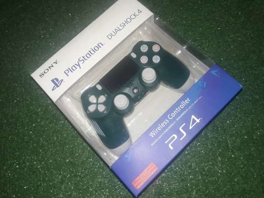 PlayStation 4 controller image 1