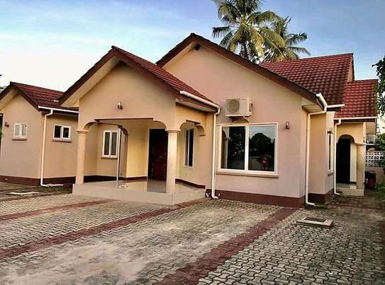 BEAUTIFUL HOUSE FOR RENT: STAND ALONE