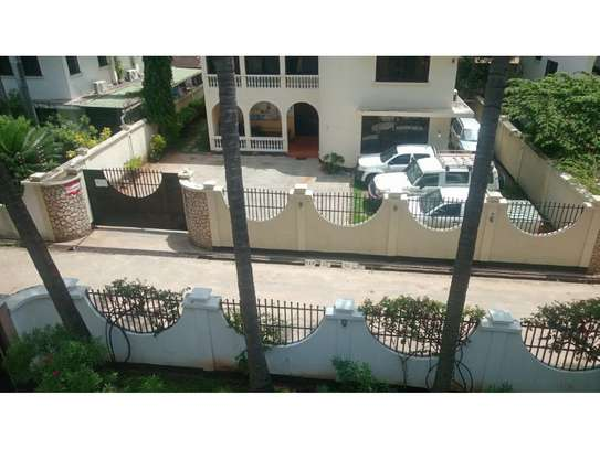 5bed town house at msasani,office,residance $1000pm image 14