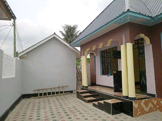 3 bdrms New House with 1 Shop at Mbagala CHAMAZI image 2