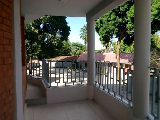 8bed houe at mikocheni $2000pm i deal for office image 15