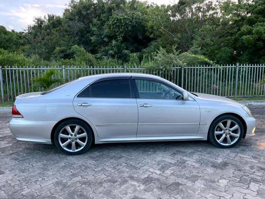 2005 Toyota Crown Athlete image 9