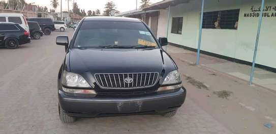 2001 Toyota Harrier image 1