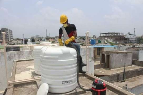 Water tank cleaner image 8