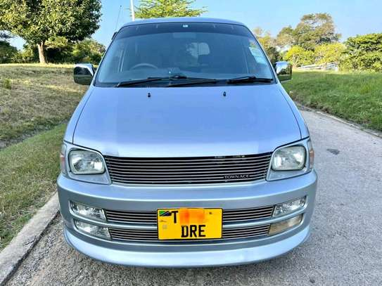 2000 Toyota Town Ace image 1