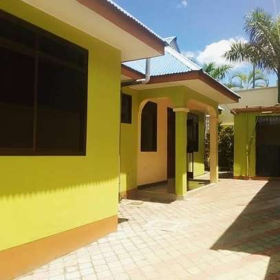 3 bedroom house for rent image 9