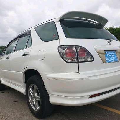 2002 Toyota Harrier image 6