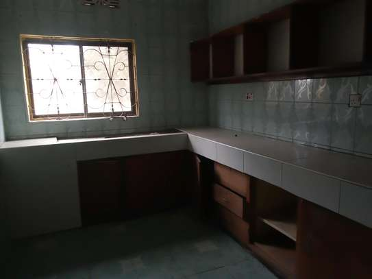 3BEDROOM HOUSE FOR RENT AT NJIRO 8-8,ARUSHA image 5