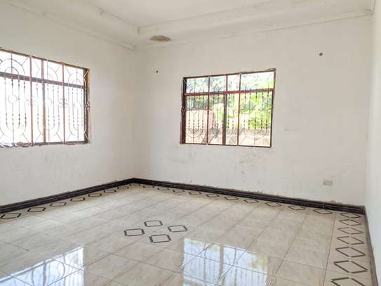 3 bed room house for sale at kigamboni tsh 56milion image 5