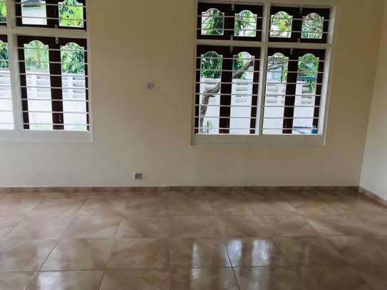8 bedrooms bungalow house available for rent in Upanga image 6