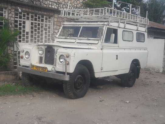 1967 Land Rover 109 image 1