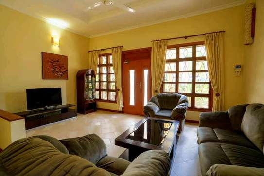 fully furnished villas are now are availanle for rent at mbezi beach road to whitesands image 3