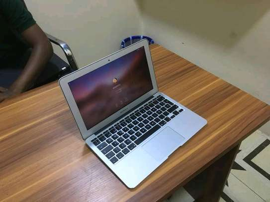 Macbook Air, ultra slim core i5 image 1