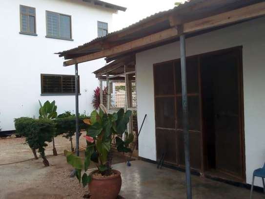 4bed house at white masakiwith swimming pool $2000pm image 11