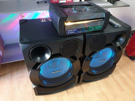 Sony Shake 70 High-power home audio system with DVD image 1