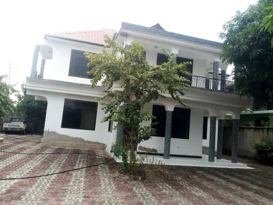 4bedroom house for rent image 1