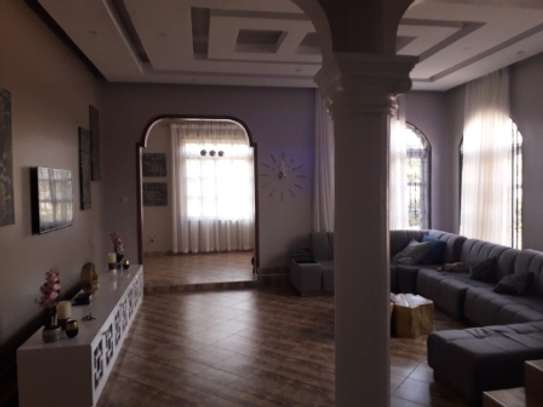 SIX BEDROOMS HOUSE FOR RENT image 3