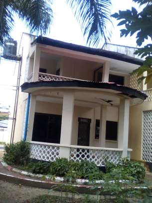 3 bed room house for rent at masaki image 1