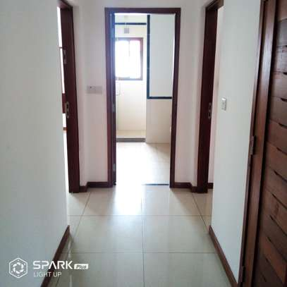 4Bedroom Villa to Let in Oysterbay image 8