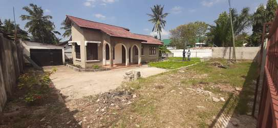 4 BEDROOM HOUSE AT MBEZI BEACH FOR RENT