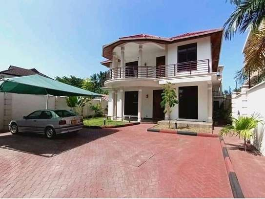 HOUSE FOR SALE 4BEDROOMS AT MIKOCHENI image 1