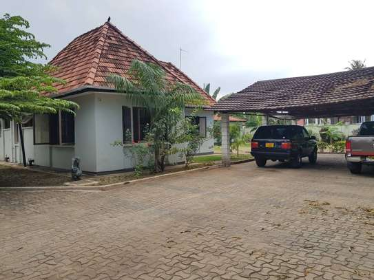 4 bed room stand alone house with big compound  for rent at mikocheni ridhiwani image 4