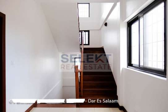 3 Bedrooms Townhouse In Msasani image 5
