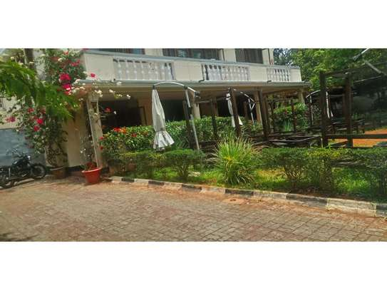 6bed house at masaki yatch club rd  i deal for restaurent or offce image 9