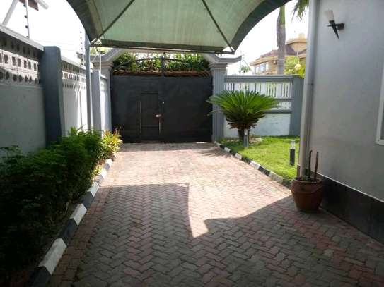 3BEDROOMS FULLYFURNISHED STANDALONE HOUSE 4RENT AT MIKOCHENI image 5