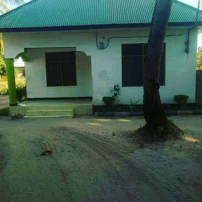 GREAT LOCATION STANDALONE HOUSE ON SALE AT LOW PRICE, BUY AND MOVE-IN image 3