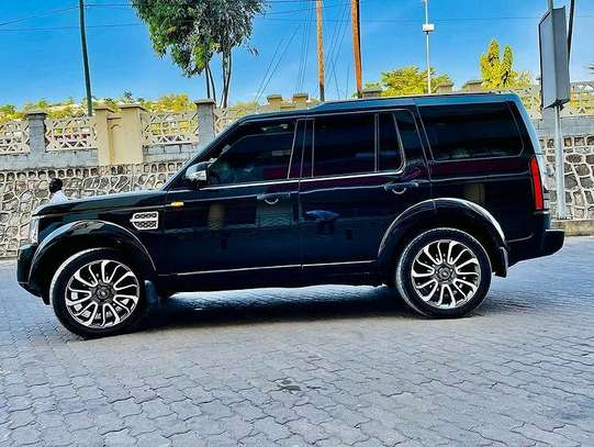 2016 Land Rover discovery image 3