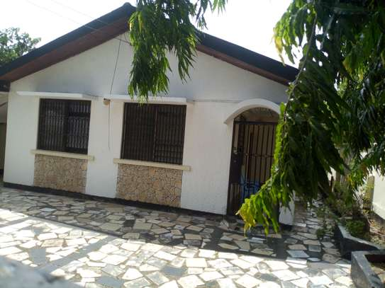 3bedroom house at sinza Mugabe for sale. Tsh 160M