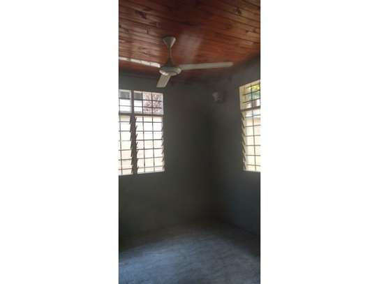 1bed house in compound at mikocheni a uzunguni image 9