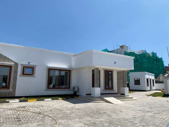Brand new House for rent in Msasani Village image 2
