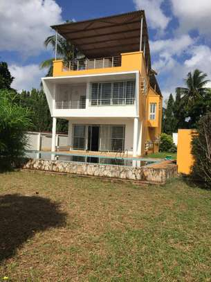 4bed beach villa at kawe $1500pm image 6
