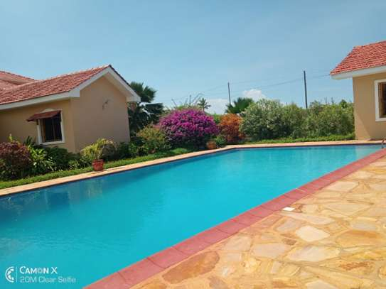 4 bed room house sea view for rent at oyster bay toure drive image 11