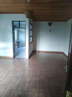 3 BEDROOM HOUSE IN NJIRO FOR RENT. image 4