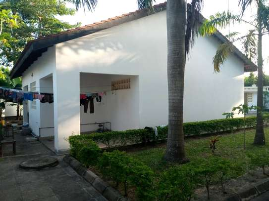 4 bed room all ensuite for rent house at avocado near tripple seven image 8