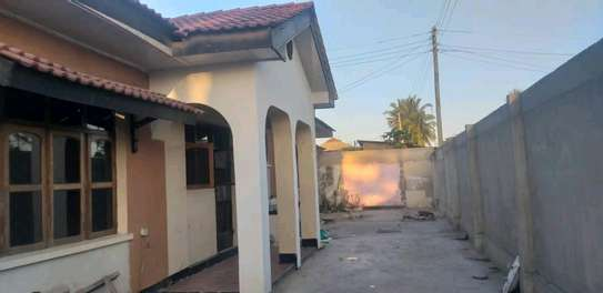 House for sale at makumbusho near bus stand image 2