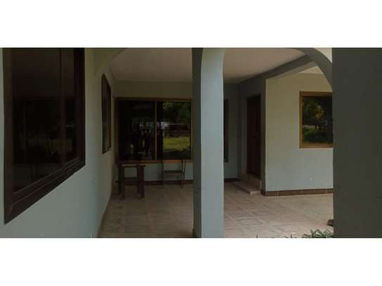 4bed house in the compound masaki$2500pm image 1