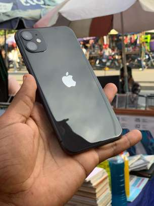 Iphone 11 image 3
