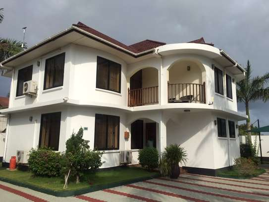 2 & 3  Bedrooms Homes for Lease  in Jangwani Beach image 2