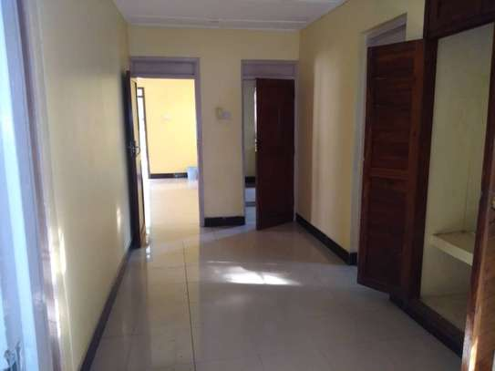 House for rent near Prime Minister Area D-Dodoma image 1