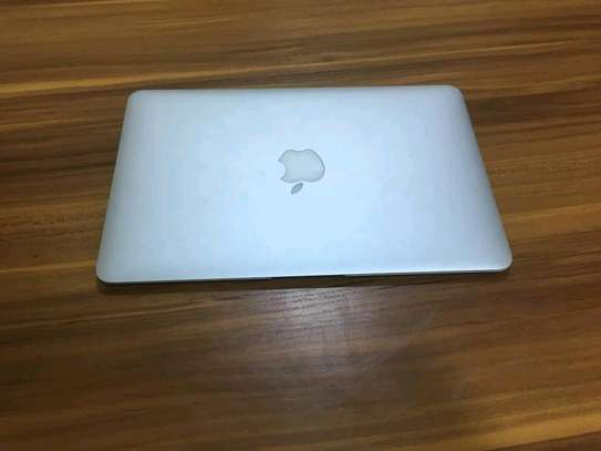Macbook Air, ultra slim core i5 image 2