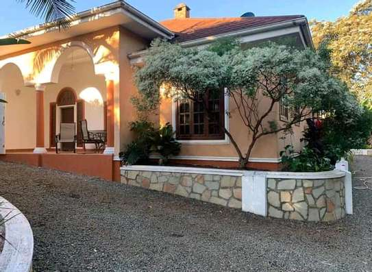 AVAILABLE FOR RENT  A 5 BEDROOM VILLA  IN ARUSHA image 3
