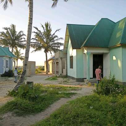 3 bdrms House going cheap at MBAGALA-CHAMAZI image 2