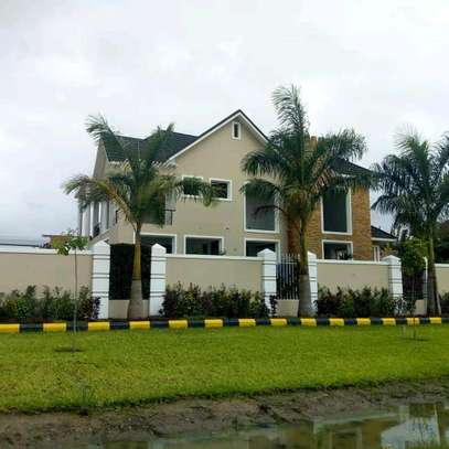 4Bedrooms House For Sale