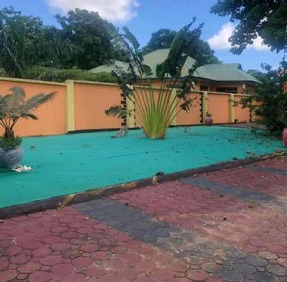 3 bdrms Titled House in a 1200 SQM Plot at TEGETA image 4