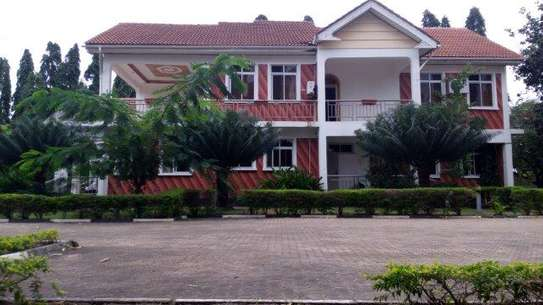 5 bedroom house in Mbezi beach to let $1,200.