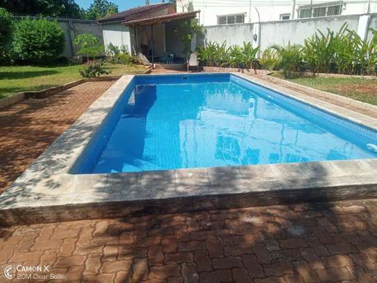 4bed house shared  the compound near george and dragon at masaki $2500pm image 4